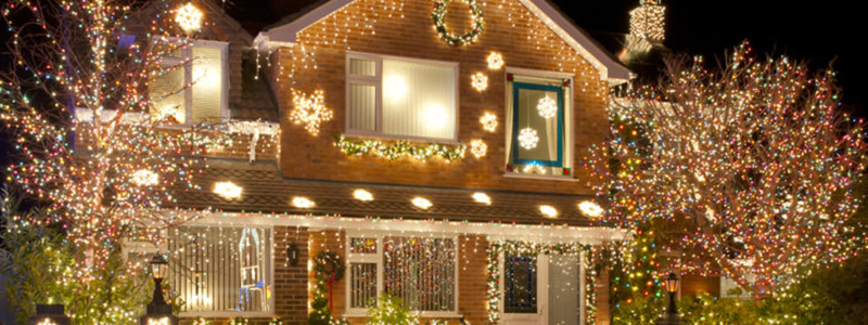 Hanging Outdoor Christmas Lights Safely and Securely
